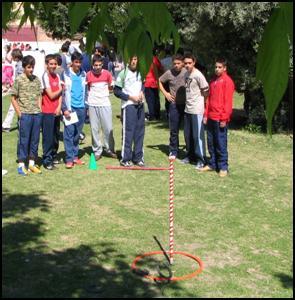 Los Juegos Tradicionales De Lanzamiento Y Precision En El Aula De