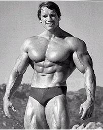 hombres musculosos sin esteroides