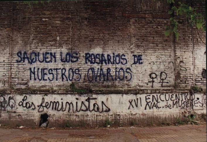 Los tipos de Graffiti que se construyeron en principio atienden a su sentido discursivo. Llamaremos sentido discursivo a la resultante entre el